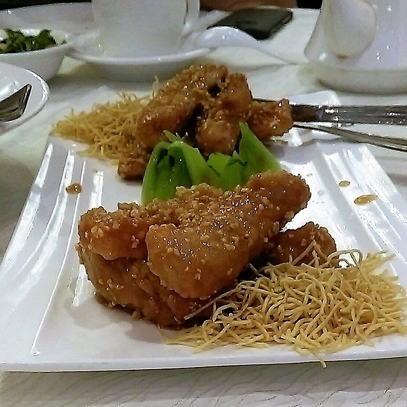 Pan Fried Pork Fillet with Honey Garlic Sauce