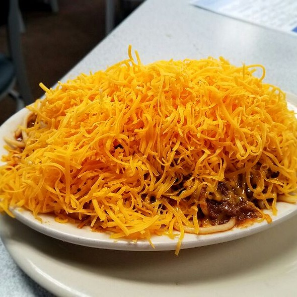 4-Way Chili With Onions @ Skyline Chili