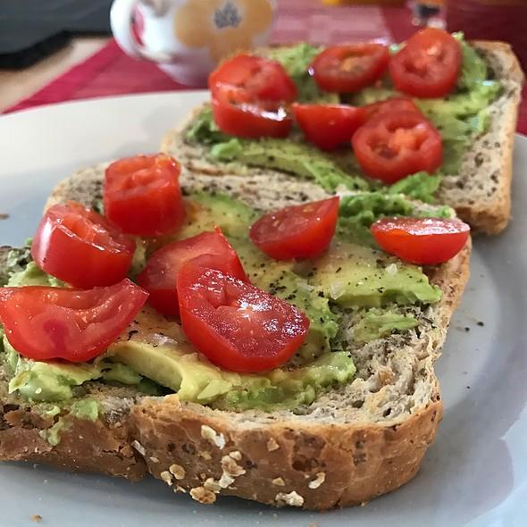 Avocado Toast @ Chookys