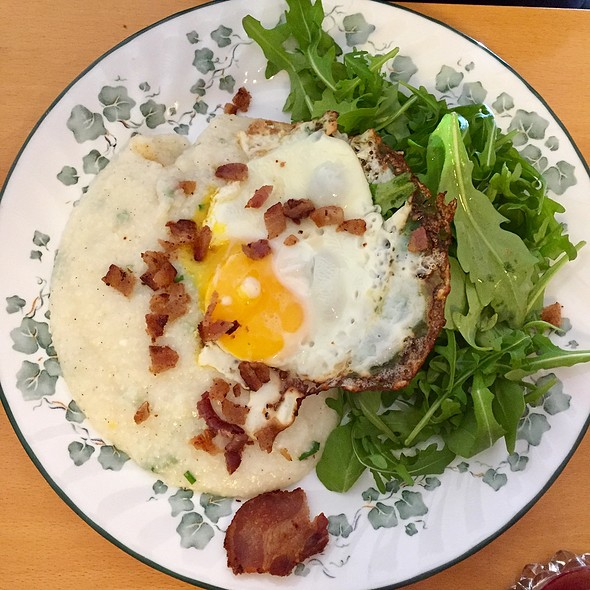 Three Cheese Grits With Egg