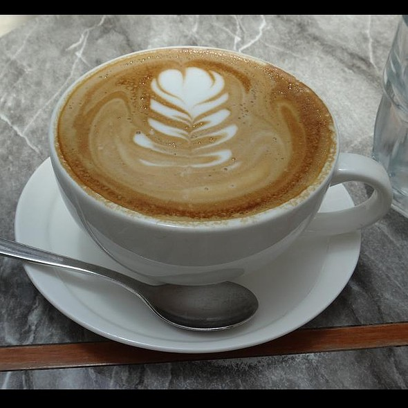 Cafe Latte @ Food For Thought (National Museum)