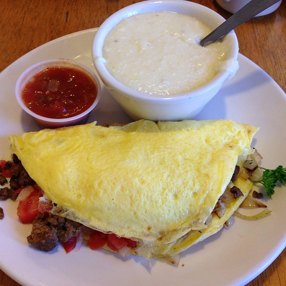 Mexican Omelette With Grits