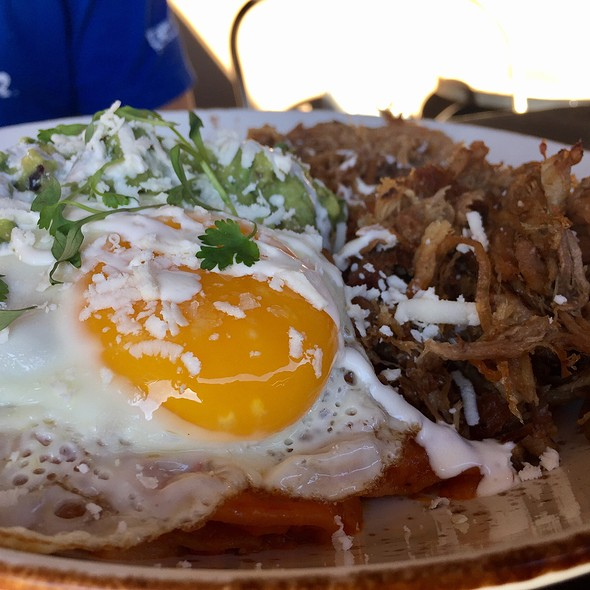 Chilaquiles @ Social