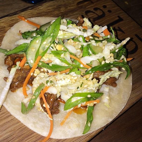 Korean Taco @ täkō