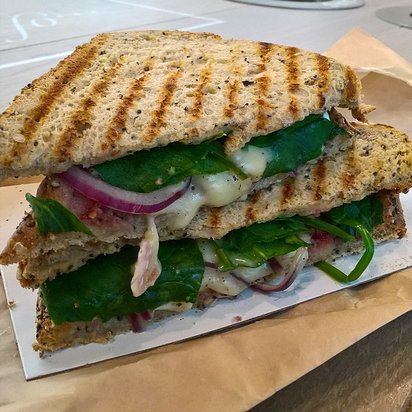 French Brie and Cranberry Toastie