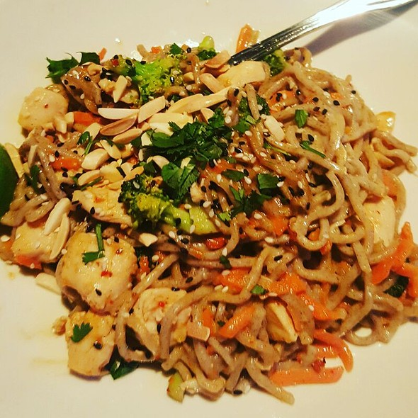 Spicy Peanut Chicken with Soba Noodles