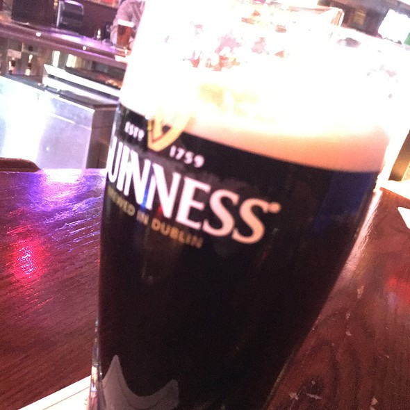 Guinness @ Chickie's & Pete's
