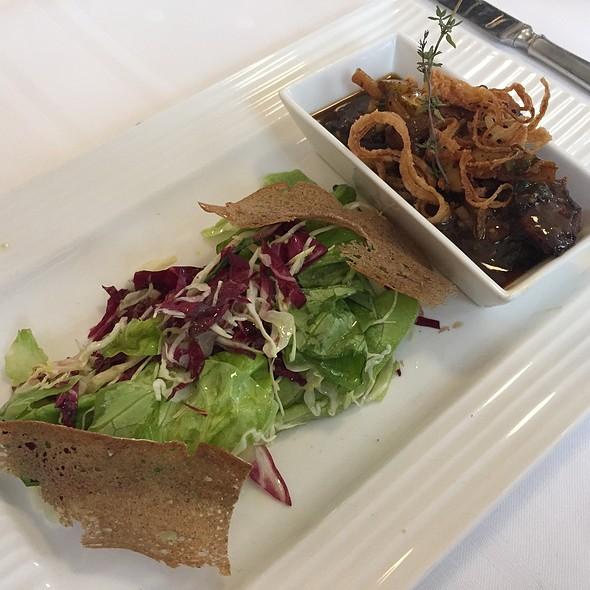 Getrüffelte Ganslgalantine auf Salat @ Gasthaus zur Alten Schule