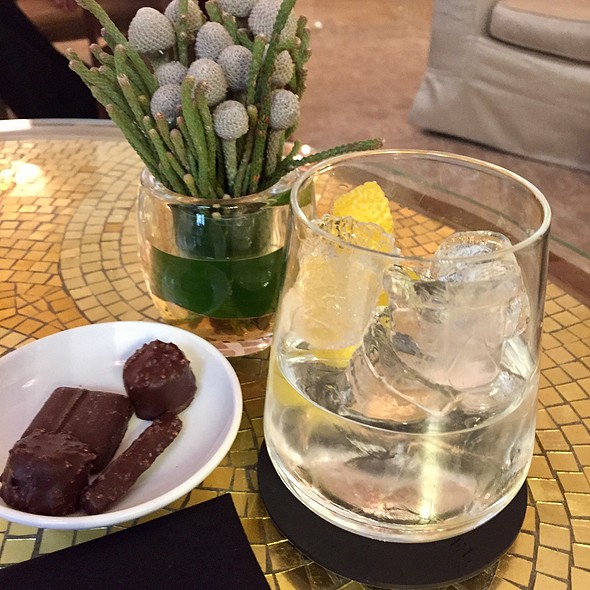 Bombay Saphire Martini @ Four Seasons Hotel, Milan