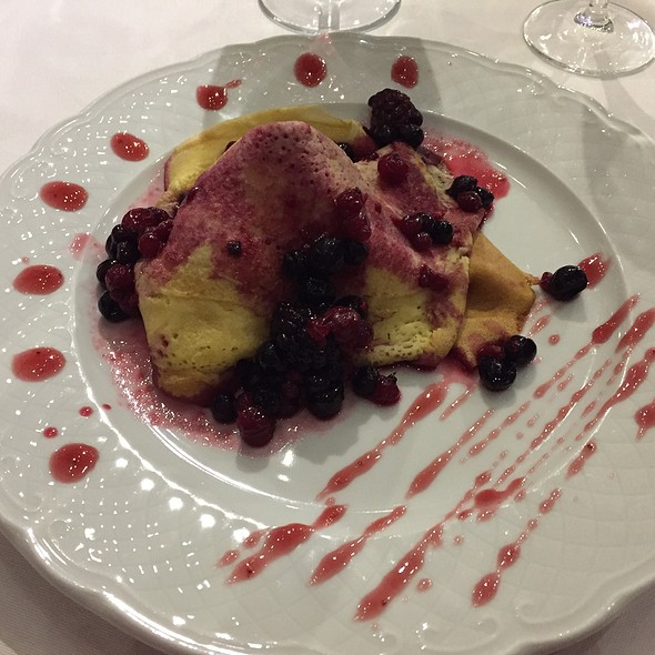 Crepe With Forest Fruits And Vanilla Ice