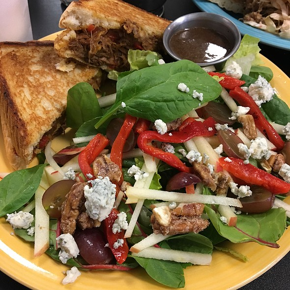 Grilled Brisket And Cheese With Fall Harvest Salad