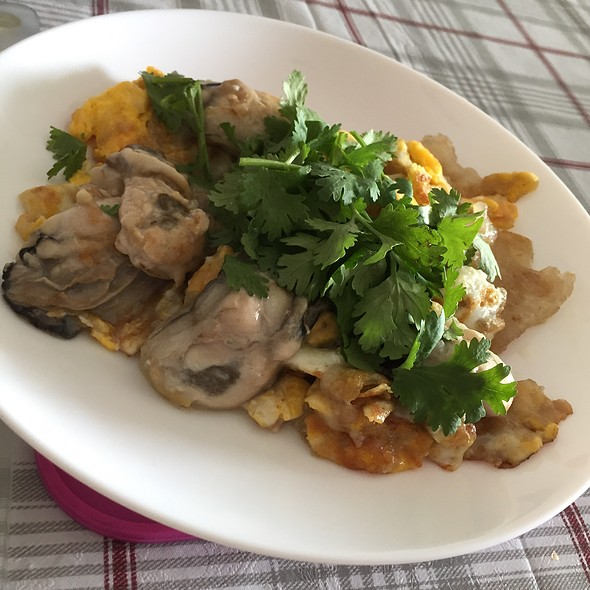 Homemade Oyster Omelette @ Sunny Island