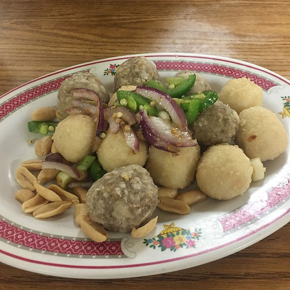 Salt And Pepper Fish And Beef Balls @ Menkee