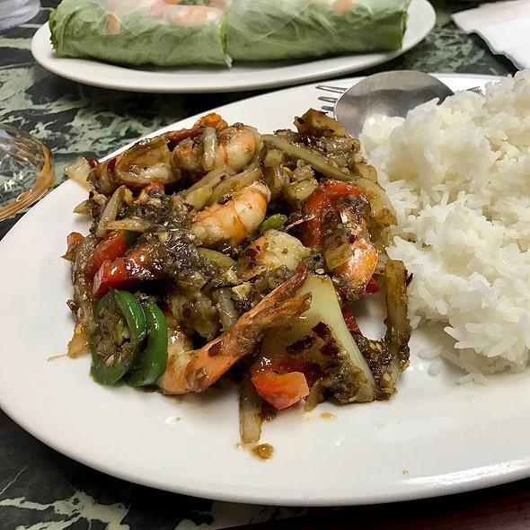 Spicy Lemongrass Shrimp Rice Plate