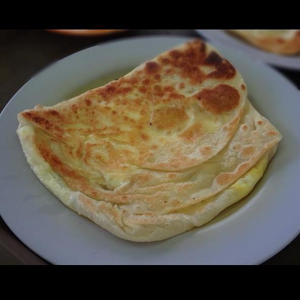 Cheese Prata @ Sin Ming Roti Prata
