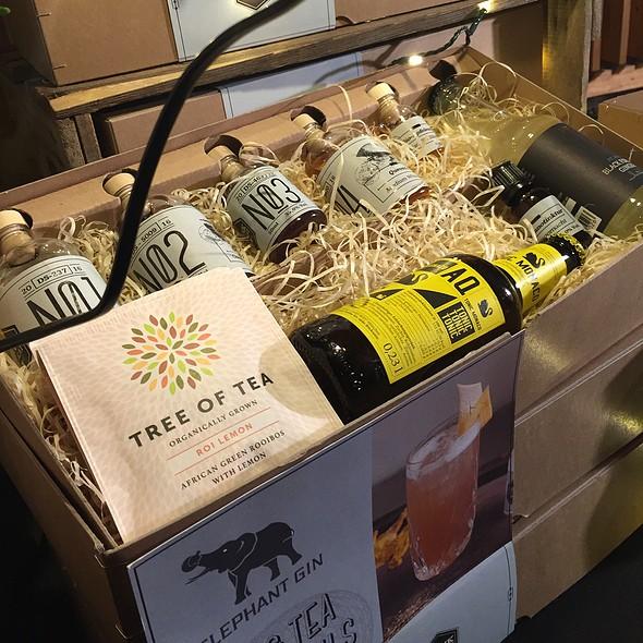 Gin & Tea Box