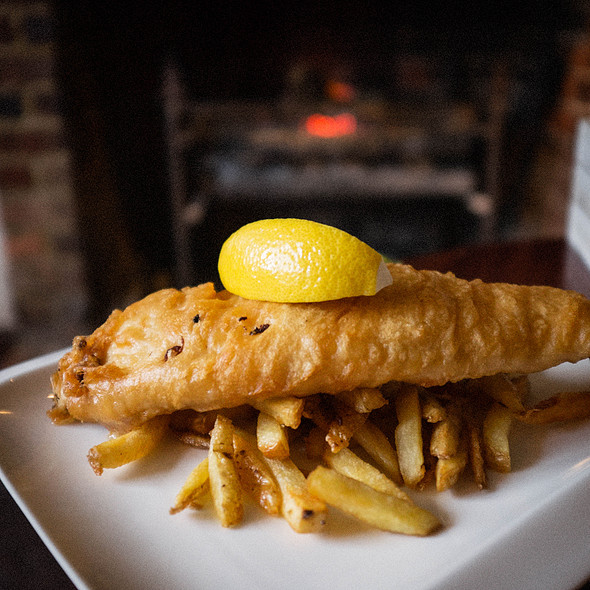 Fish & Chips @ The Queen's Head