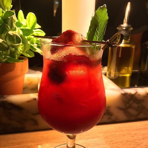 Berrylicious (Tanqueray Gin, Creme De Mure, Creme De Fraise Berry Liqueurs)