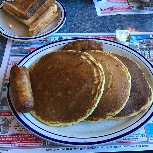 Pancakes And Sausages @ Silver Moon Diner