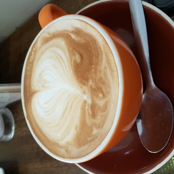 Flat White @ Cafe 89 Mudgee