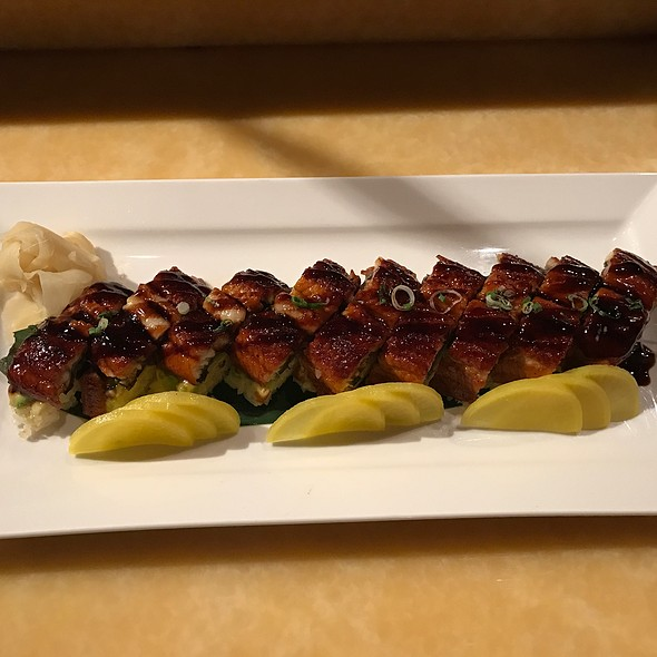 Eel & Avocado Sushi