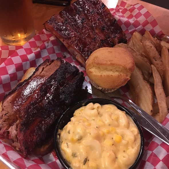 Ribs & Briskets With Mac & Cheese & Fries @ Famous Dave's