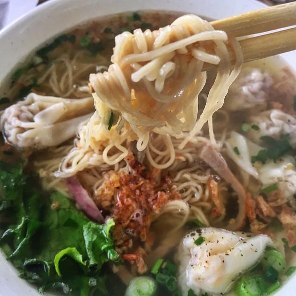 Wonton Egg Noodle Soup @ Don Cafe