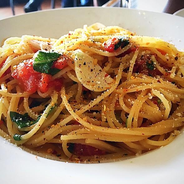 Spaghetti alla Checca @ The Last Chukker