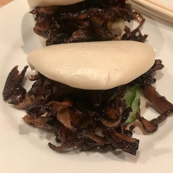 Shitake Steamed Buns @ Momofuku Noodle Bar