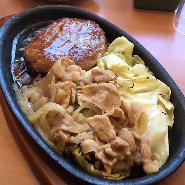 Hamburg Steak With Sauté Pork & Cabbage