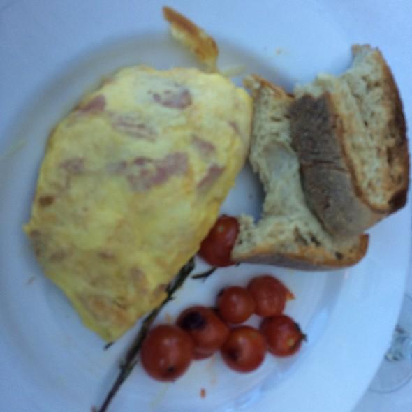 Ham & Cheese Omelette @ Mon Ami Gabi