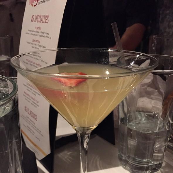 Peach Bellini Martini