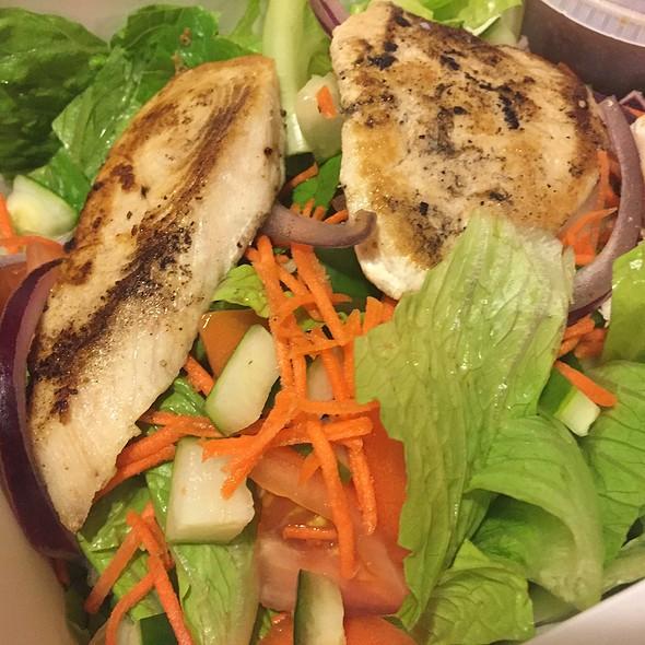 Salad With Grilled Mahi Mahi @ Ippy's Hawaiian Barbeque