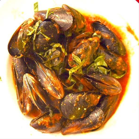 Chilli Mussels @ Clancys Fishbar City Beach