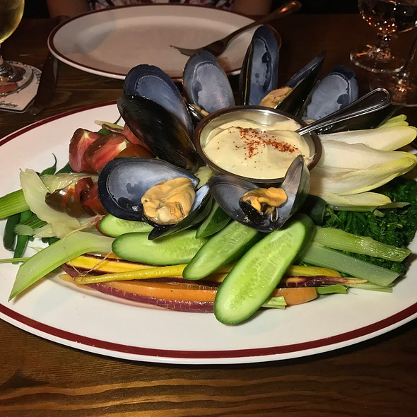 Le Grand Aioli (Market Vegetables, Pickled Mussels, Aioli)
