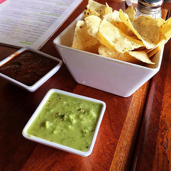 Tomatillo Salsa @ El Alma Cafe y Cantina