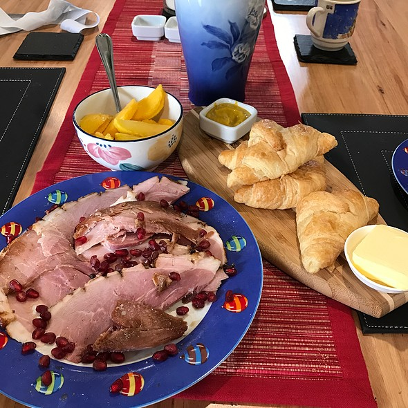 Christmas Breakfast | Ham, Croissants And Mango @ Chookys