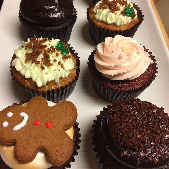 Cupcakes @ Flour & Butter