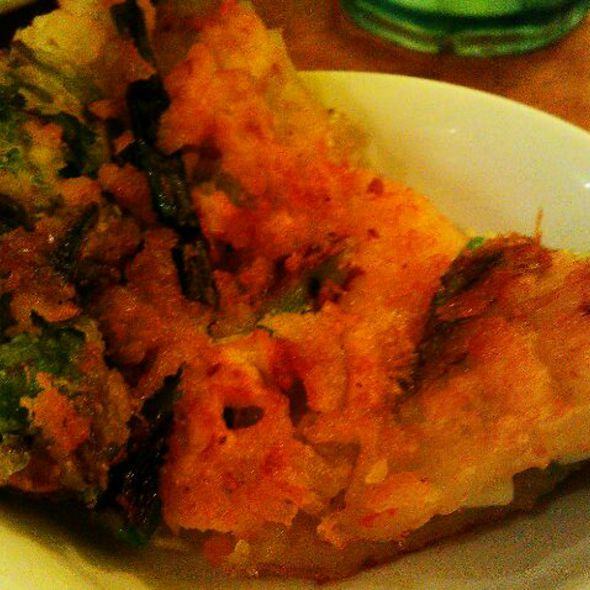 Seafood pancake - Haemul Pajeon - 해물 파전 @ Mandoo Bar
