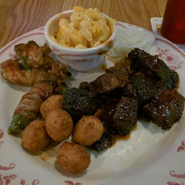Burnt Ends, Cheddar Mac N' Cheese, Bacon Wrapped Jalapenos