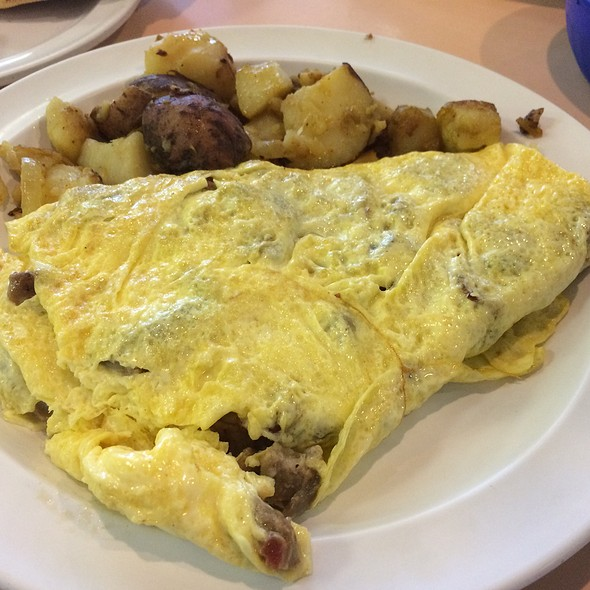 Omelette With Side Of Home Fries