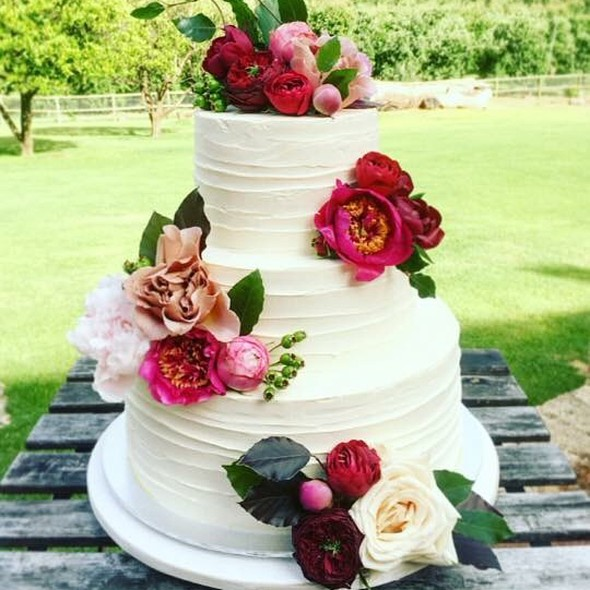 Three Tier Wedding Cake @ Annettes Heavenly Cakes