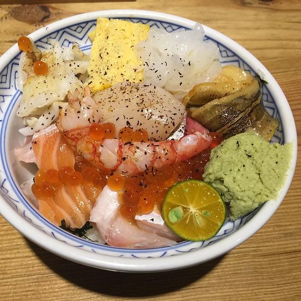 特選綜合海鮮丼 | Special Selection Combination Seafood Chirashi @ 瞞著爹丼飯(三店)