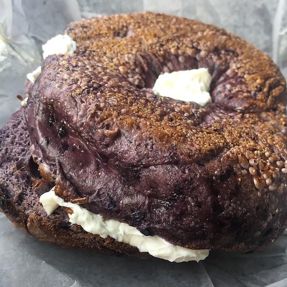 Blueberry Bagel @ The Hot Bagel Shop