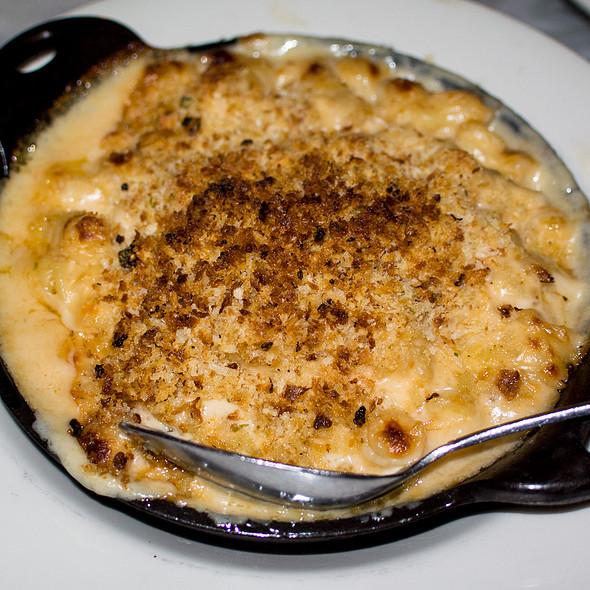 Mac and Cheese @ Fat Angel Food and Libation