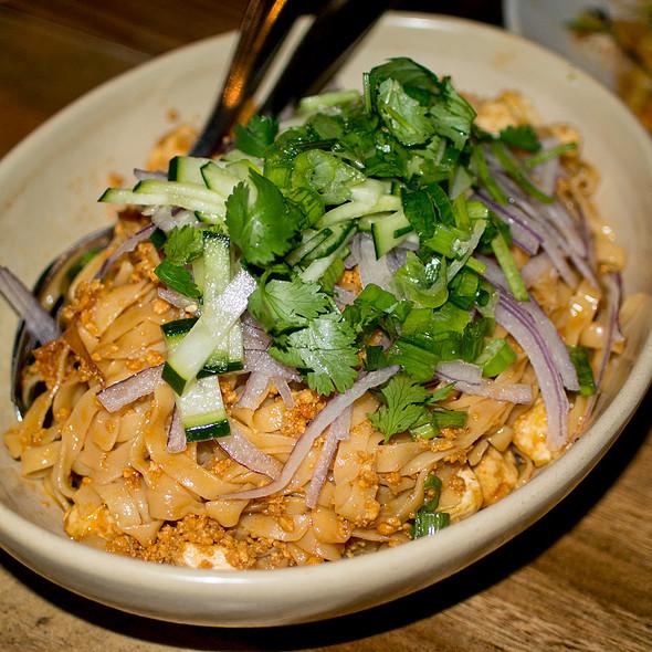 Garlic Noodles @ Burma Love