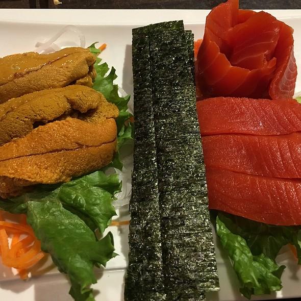 Uni Sashimi And Wild Sockeye Salmon Sashimi @ nikkyu japanese restaurant