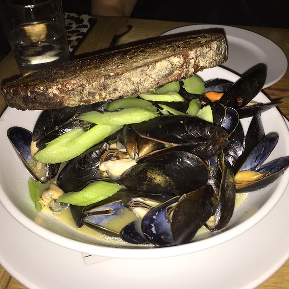 Bouchot Mussels @ The Whelk