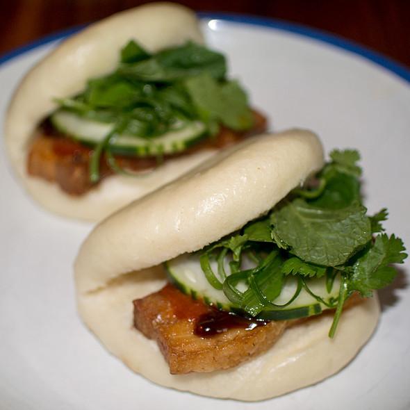Niman Ranch Pork Belly Steamed Buns @ Elizabeth Street Cafe