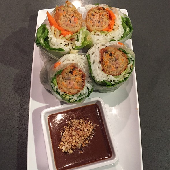 New Orleans Spring Roll